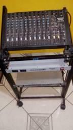 Vendo rak com 1 mesa de som wattsom 10 canais,1 equalizador