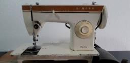 Máquina De Costura Singer Zig Zag 247 com Motor Promoção