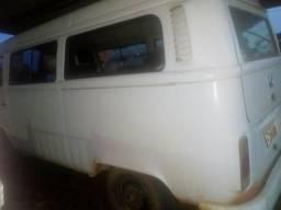 Vende se uma Kombi 15.000 - 2005
