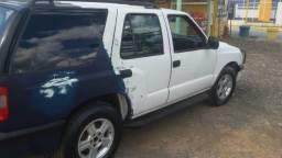 Vendo ou troco Gm Blazer 2.8 diesel 4x4 - 2005
