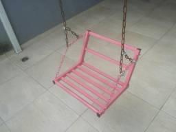 Balanço infantil rosa