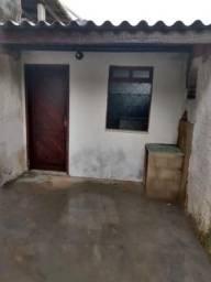 Casas frente de rua, individual, 1 quarto, sala com coz americana, banheiro