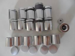 Parafuso de fixação do vidro - usados (9 de metal e 8 de plástico)