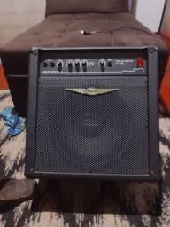 Como amplificador O'Neal OCB 400 para contrabaixo