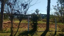 Velleda oferece terrenão 525 m², condomínio fechado, somente 400 mts RS040