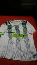 Vendo essa camisa linda da Juventus masculina Seminova