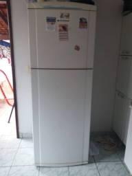 Geladeira 460 litros ( Serve como frezeer)