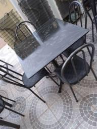 Jogo mesa de 4 cadeiras ardósia