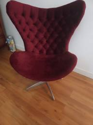 Poltrona / Cadeira Veludo cor Marçala decaptone giratória.