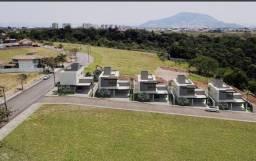 Casa 4 quartos sendo 3 suites com piscina em Manguinhos.