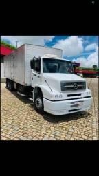 Título do anúncio: Caminhão Baú Mercedes-Benz