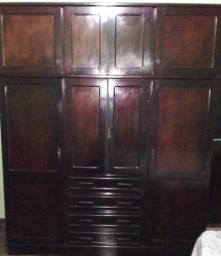 Guarda-roupa usado 4 portas 4 gavetas com Maleiro em Madeira
