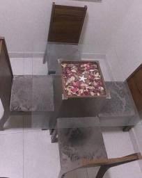 Conjunto mesa de vidro com cadeiras