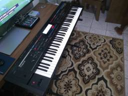 Teclado sintetizador Juno Stage Roland para venda ou para trca