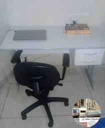 Conjunto para escritório,  mesa e cadeira giratoria
