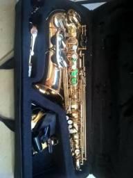 Sax alto dourado, regulado, troco por sax tenor