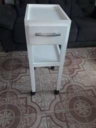 Mesa pequena tipo mini rack