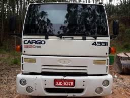 Ford Cargo 4331 - Ano 2004- Abaixo da tabela Fipe - 2004