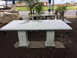 Mesa de jantar em marmore para ate 8 cadeiras