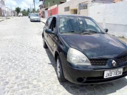 Clio Hatch 2005 4 portas - 2005