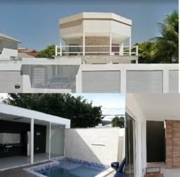 Casa para venda com 300 metros quadrados com 4 quartos em Camboinhas -