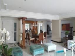 Apartamento na Mansão Alfredo Tavares com 186m² na 13 de Julho.