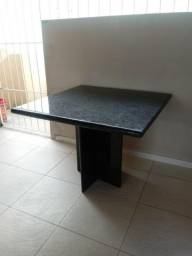 Oportunidade de excelente mesa de granito verde ubatuba à venda