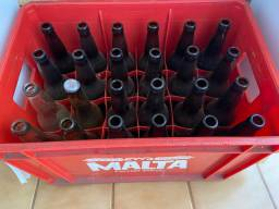 Engradado com 24 cascos de garrafa de 600ml