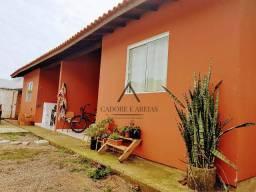 Oportunidade pra investidor: 2 casas à venda no bairro Morro das Pedras