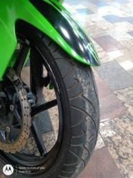 Título do anúncio: Vendo uma moto Kawasaki ninja 250 r