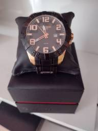 Relógio technos na caixa