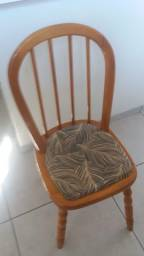 Duas cadeiras de madeira usada (Promoção ) 30,00