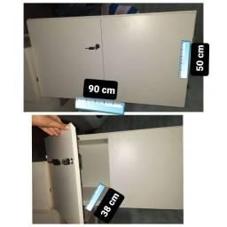 Armário de madeira 2 portas