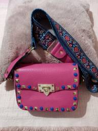 Bolsa tachas colorida