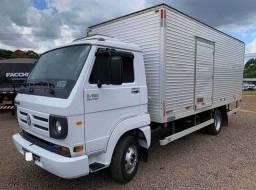 Caminhão 8-150