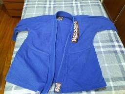 Vende-se kimono azul trançado