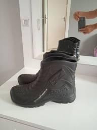 Vendo de bota de borracha para chuva R$55,00