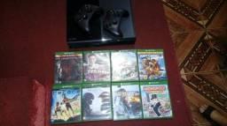 Console Xbox one 500 GB 2 controles com 8 jogos