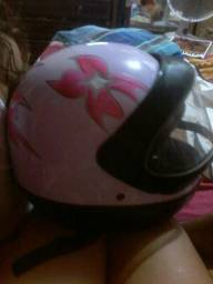 Vendo capacete em ótima conservação pra vim busca no infraero 2 what 991172579