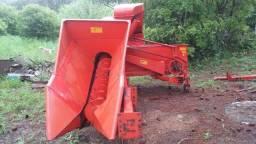 Colhedora de milho Jumil 350