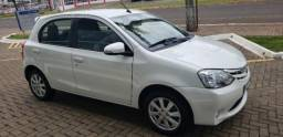 TOYOTA ETIOS HATCH XLS 1.5 16V AT FLEX Branco 2016/2017 - 2016