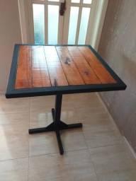 Mesa mista ferro e madeira