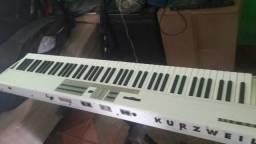 Piano elétrico kurzweil SP88