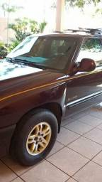 Blazer S10 Executive - 2002