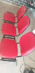 3 cadeiras de espera ou escritório