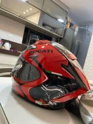 Título do anúncio: Capacete Shoei Ducati NOVO