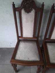 6 cadeiras madeira pura pouca reforma
