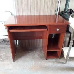 Título do anúncio: Escrivaninha em madeira usada