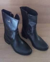 Sapatos infantis - Bota infantil número 29/30
