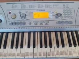 Título do anúncio: Teclado Piano Eletrico Semi Novo